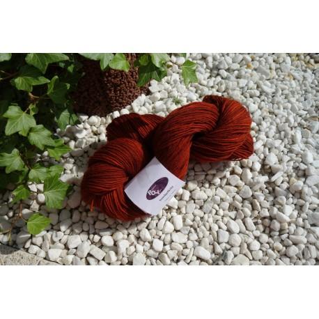 "Paradise of Yarn handdyed in Sockenwollstärke  Farbe ""Kastanie"""